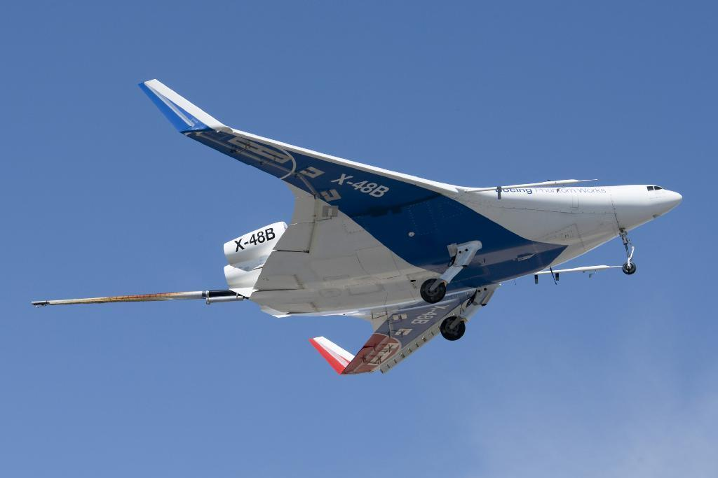 back in the air x 48b resumes flight tests at nasa dryden - Air Force Flight Test Engineer Sample Resume