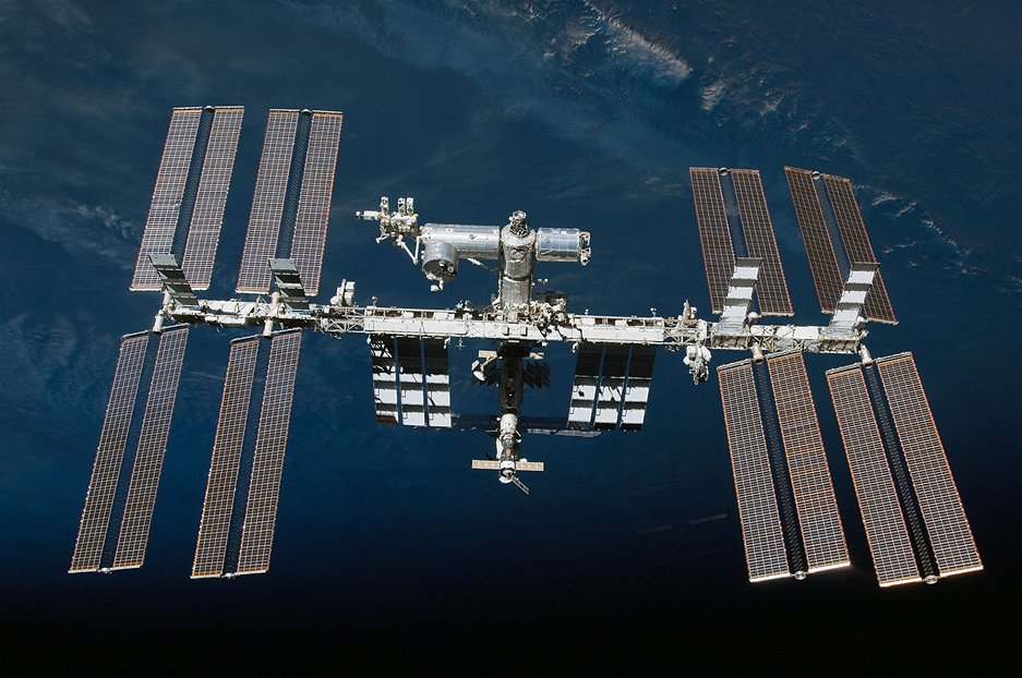 12 Cool Experiments Done on the International Space Station