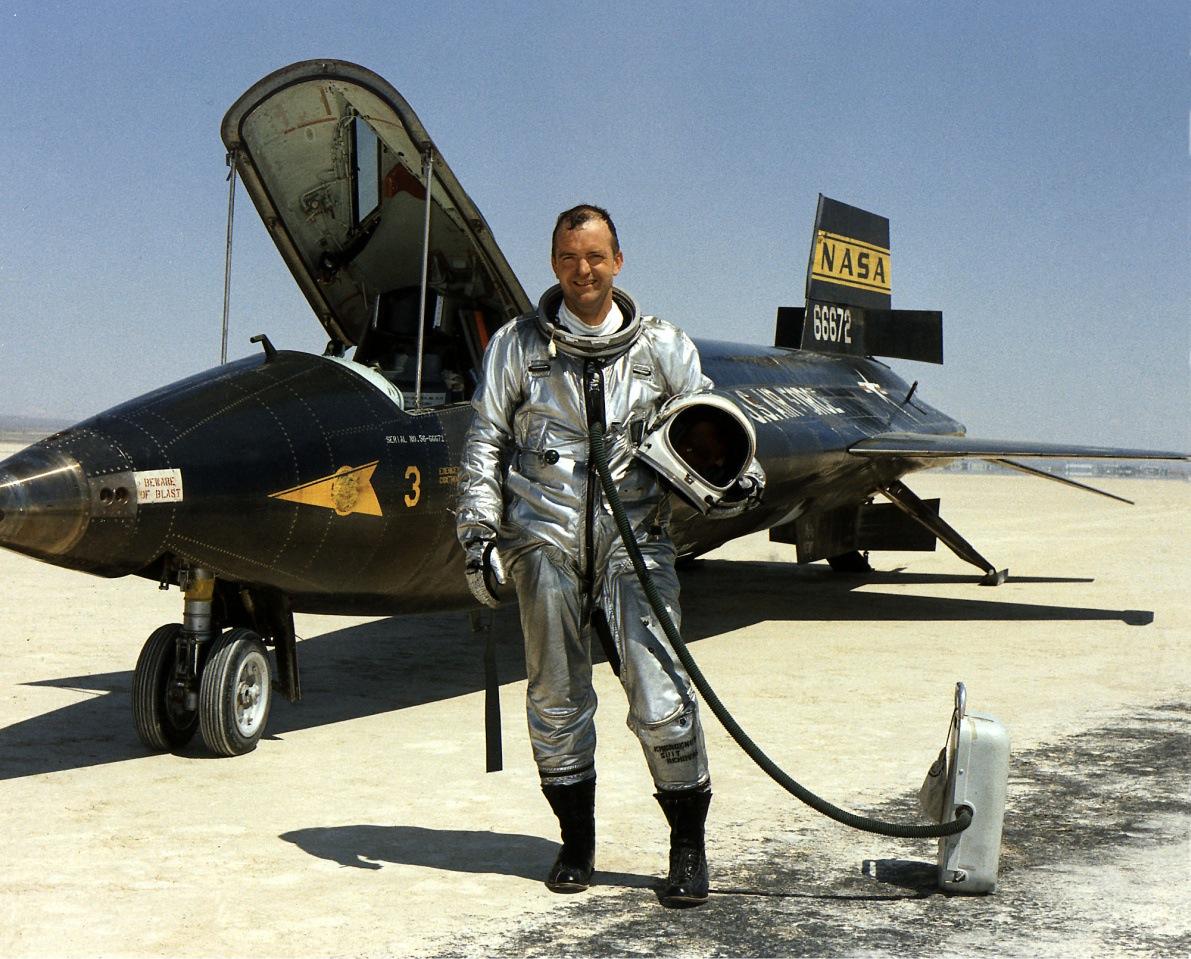 Pioneering Test Pilot Bill Dana Dies at Age 83 | NASA